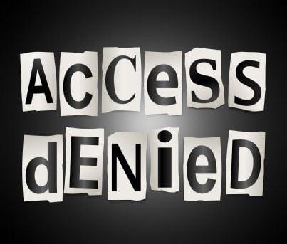 parole accesso vietato su sfondo nero