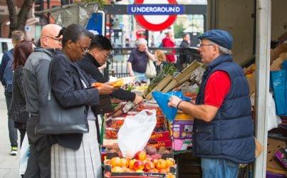 venditore ambulante di frutta e verdura