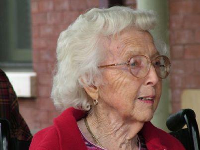 anziani anziana nonna vecchia vecchi pensioni