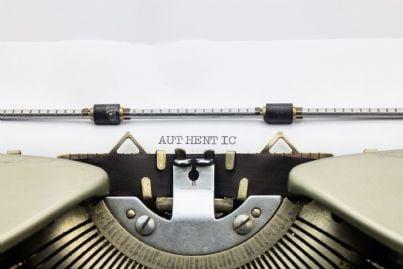 parola autentica scritta con macchina da scrivere