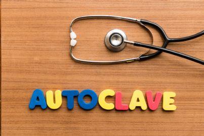 parola autoclave scritta vicino a stetoscopio