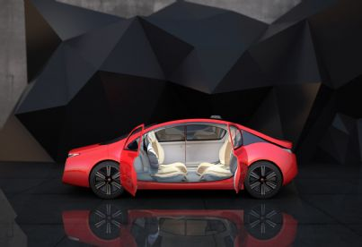 auto rossa a guida autonoma