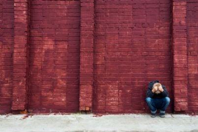 bambino depresso per colpa del bullismo