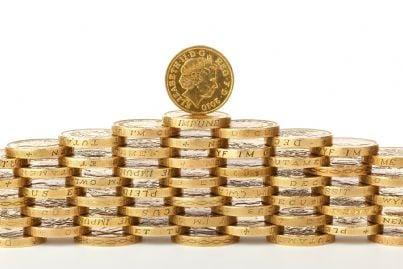 una moneta su tutte le altre che evoca il concetto di holding