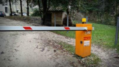 Barra automatica di chiusura di un parcheggio