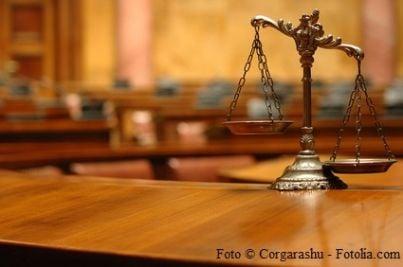 sentenza bilancia giudice avvocato cassazione martello