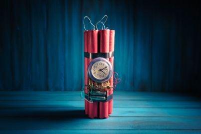 una bomba ad orologeria