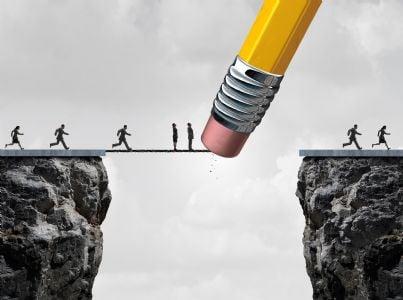 matita che cancella strada uomini concetto fallimento