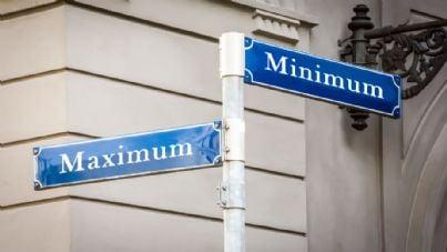 cartello stradale con scritto minimo e massimo
