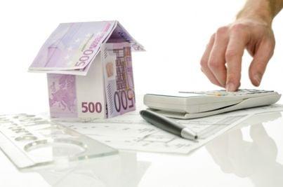 Modello di casa fatto con euro