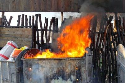 incendio a cassonetto rifiuti