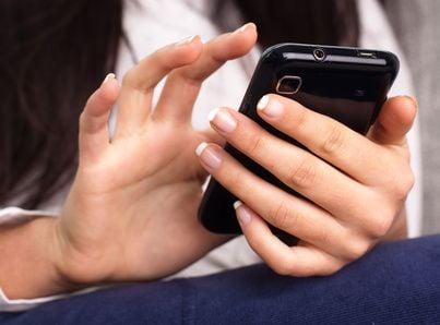 cellulare telefono sms stalking molestie