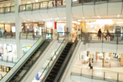 negozi di un centro commerciale