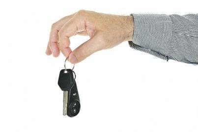 Consegna delle chiavi dell'auto