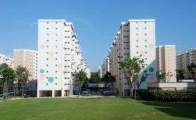 due grandi palazzi condominiali