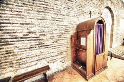 confessionale interno ad una chiesa