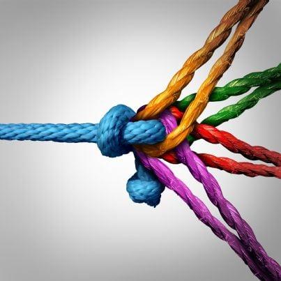 legame tra gruppi di corde colorate