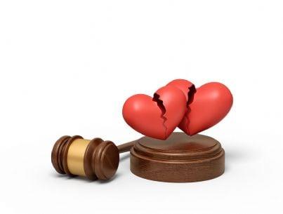 cuori spezzati e martello del giudice
