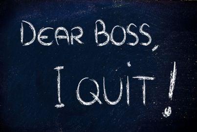 scrivere col gesso alla lavagna le proprie dimissioni