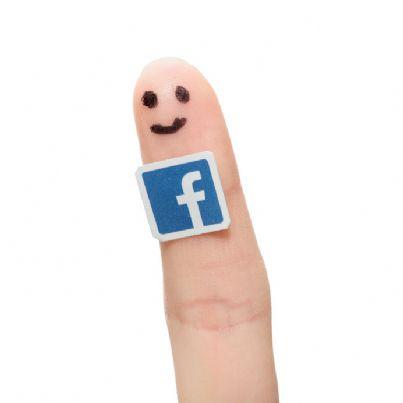 dito con logo Facebook