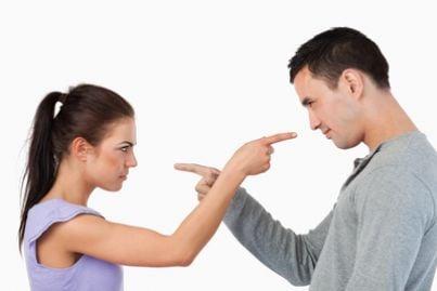 divorzio separazione coppia litigano