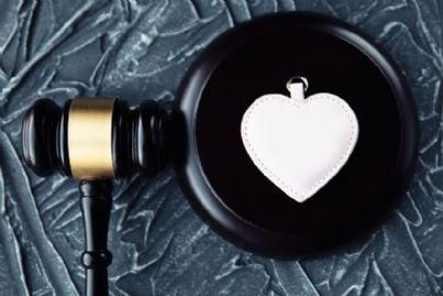 cuore e martello del giudice per divorzio