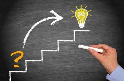 domanda su scala che raggiunge lampadina idea