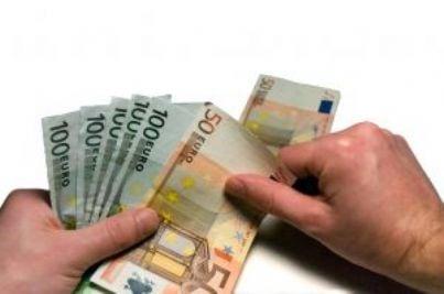 euro soldi crisi fallimento