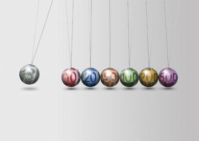 sfere con euro dentro di vari tagli