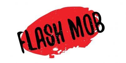 flash mob su sfondo rosso