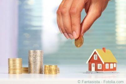 FOndo patrimoniale della famiglia in una illustrazione che sovrappone soldi a una casa