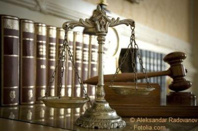 sentenza avvocato giustizia martello bilancia