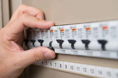 manutenzione di impianto elettrico