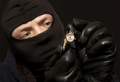 ladro valuta orologio