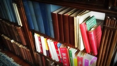 foto di una libreria