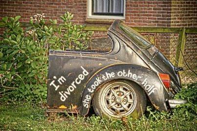 macchina divisa in due concetto di perdita a seguito di divorzio