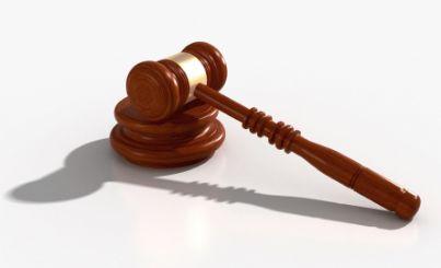 martello giudice sentenza avvocato