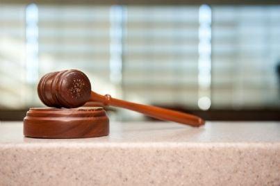 martello legge sentenza giudice avvocato