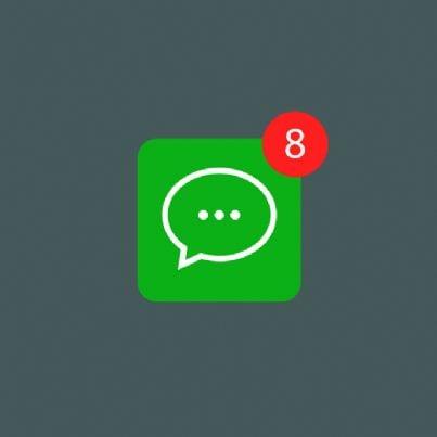 messaggi WhatsApp sul telefono