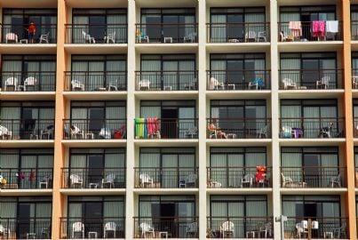 tanti appartamenti in un condominio concetto multiproprieta