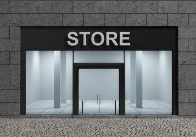 negozio con vetrina in strada