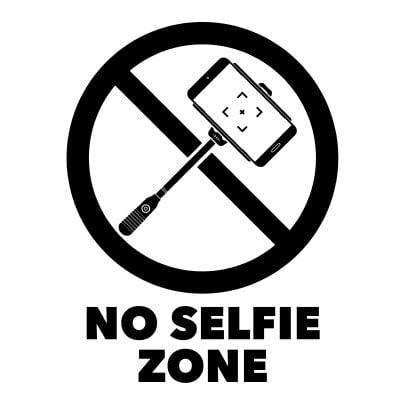 cartello di divieto selfie