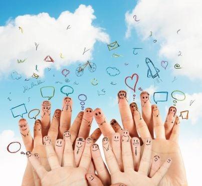 mani che indicano nucleo familiare