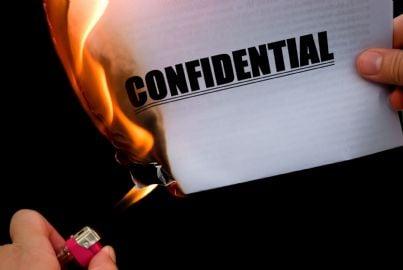 bruciare un documento evoca occultamento prove