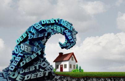 onda di debiti che colpisce la casa