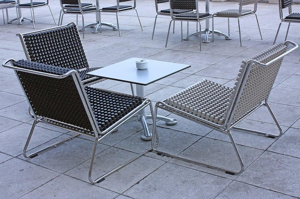 Cassazione tavolini del bar nelluarea non un utilizzo for Ikea divanetti bar