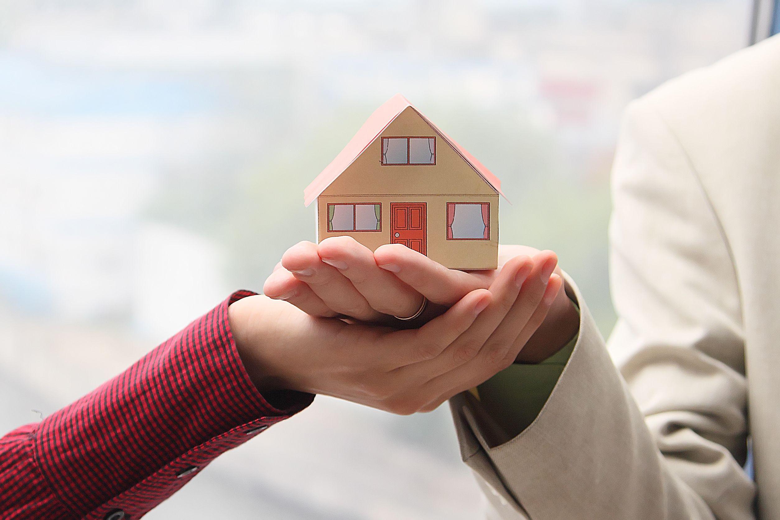 Comunione legale dei beni anche per i conviventi - Patrimoniale sulla casa ...