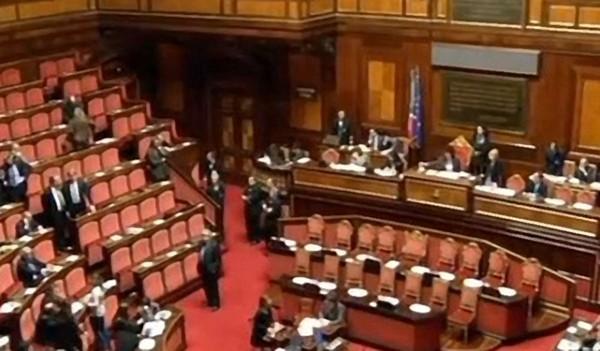 Il milleproroghe legge dagli avvocati ai partiti ecco for Aggiunte di legge