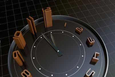 orologio che segna importanza del passaggio del tempo