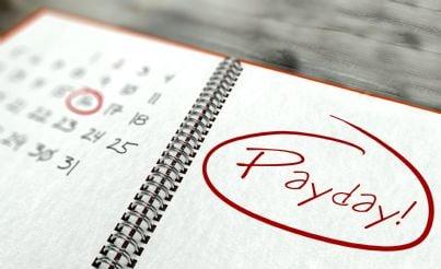 giorno di pagamento delle tasse segnato in agenda